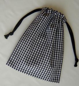 両引き巾着袋 18×23【ブラックのギンガムチェック3.5ミリ】給食袋用にも