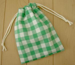 両引き巾着袋 17×23 綿麻素材【緑のギンガムチェック】給食袋用にも