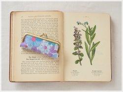■ヴィンテージ生地のがま口印鑑ケース / ブルーの花■ hanko case (vf-bp)