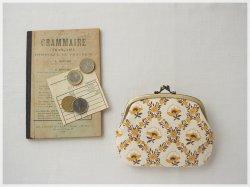 ■ヴィンテージファブリックの仕切りがま口財布 / マスタードイエローの花柄 ■ amande(vf-yfd)