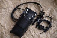 黒いシボ有りの革で作った左利き用の5丁差しシザーケース