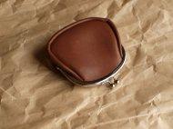 がま口のブラウンの牛革の財布