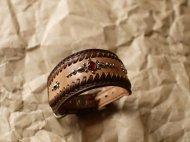 ブラウンの革のイタグレ首輪