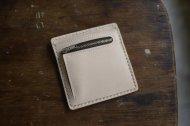 ヌメ革の薄い財布