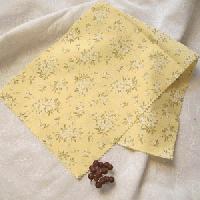 木綿の半衿薄黄色地ミモザ柄