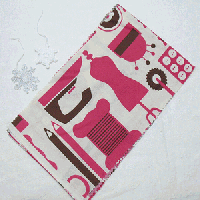 ポップな洋裁道具柄半衿(ピンク)
