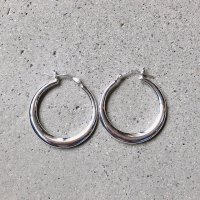 <img class='new_mark_img1' src='https://img.shop-pro.jp/img/new/icons14.gif' style='border:none;display:inline;margin:0px;padding:0px;width:auto;' />Design  Hoop Pierced Earring デザインフープ シルバー925ピアス