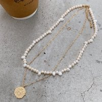 <img class='new_mark_img1' src='https://img.shop-pro.jp/img/new/icons14.gif' style='border:none;display:inline;margin:0px;padding:0px;width:auto;' />Freshwater Pearl & Coin Charm 14kgf Necklace 淡水パール&コイン 2連 14kgfネックレス