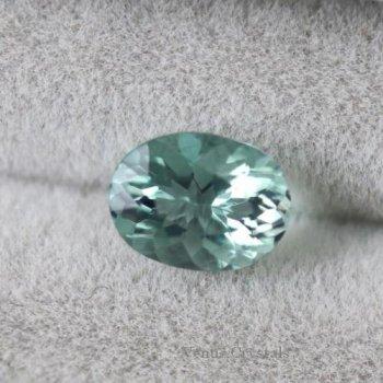 画像よりも少し淡い ダイアナマリア産 強蛍光 グリーン フローライト ルース 0.73ct  6.3mm
