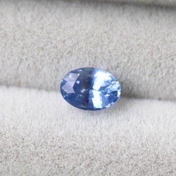 美しいアイスブルー 非加熱 スリランカ産 サファイア ルース 0.44ct  5.0mm