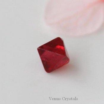 美しいレッド スピネル 結晶  4.5mm