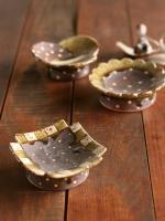 灰釉高台豆皿(四角)