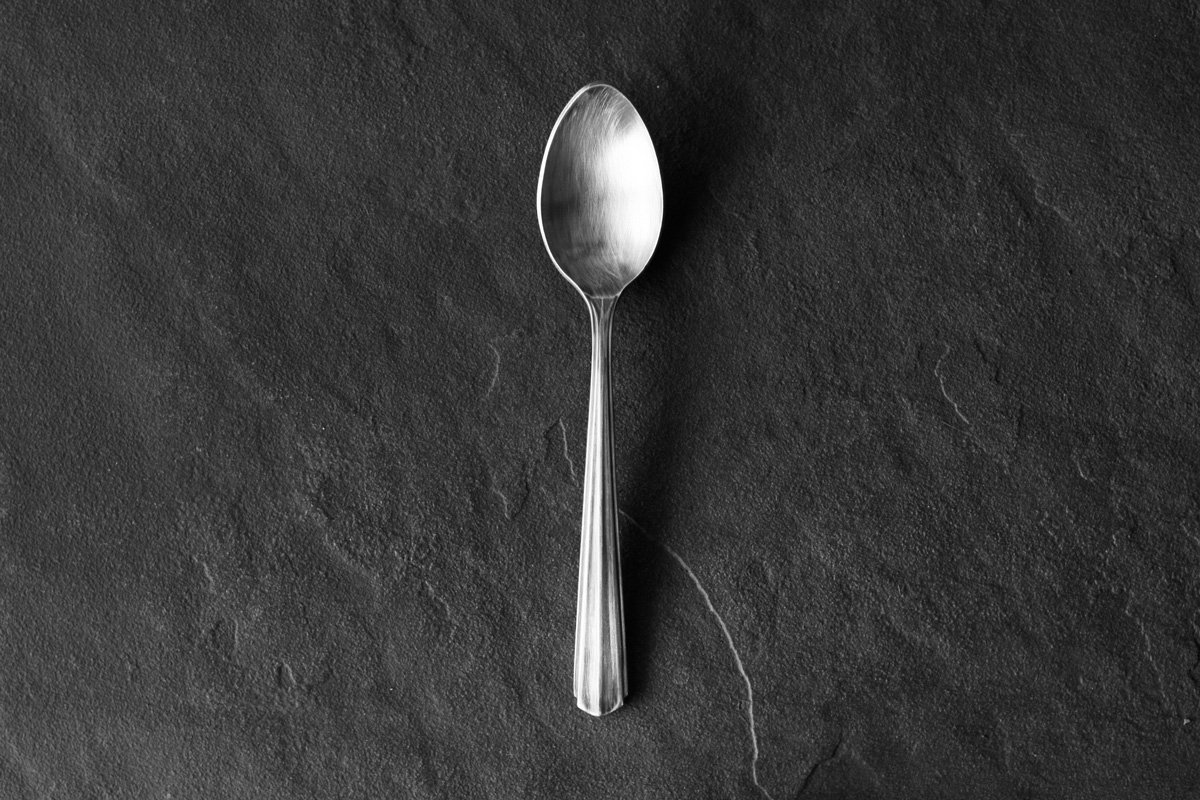 ryo spoon-a table