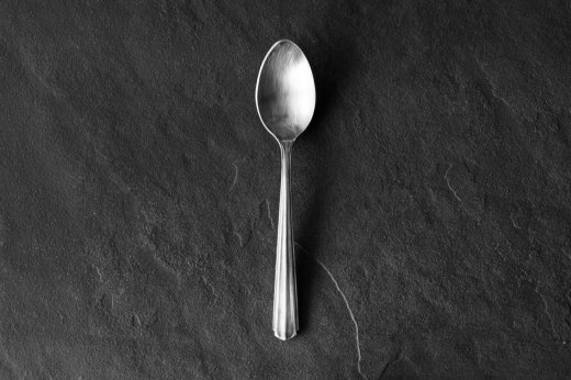 ryo spoon-a table<img class='new_mark_img2' src='https://img.shop-pro.jp/img/new/icons56.gif' style='border:none;display:inline;margin:0px;padding:0px;width:auto;' />