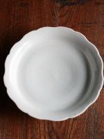 白磁花型台皿