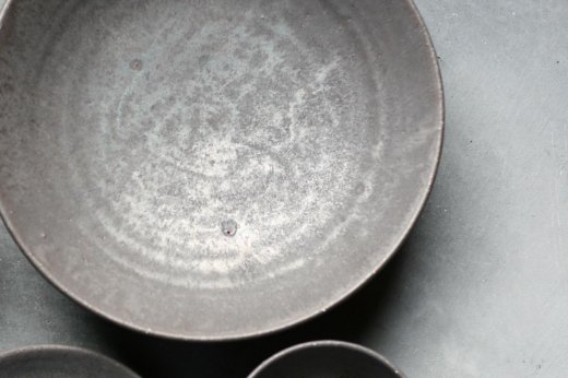 小野象平 8寸皿黒志野