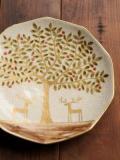鹿と樹の絵皿