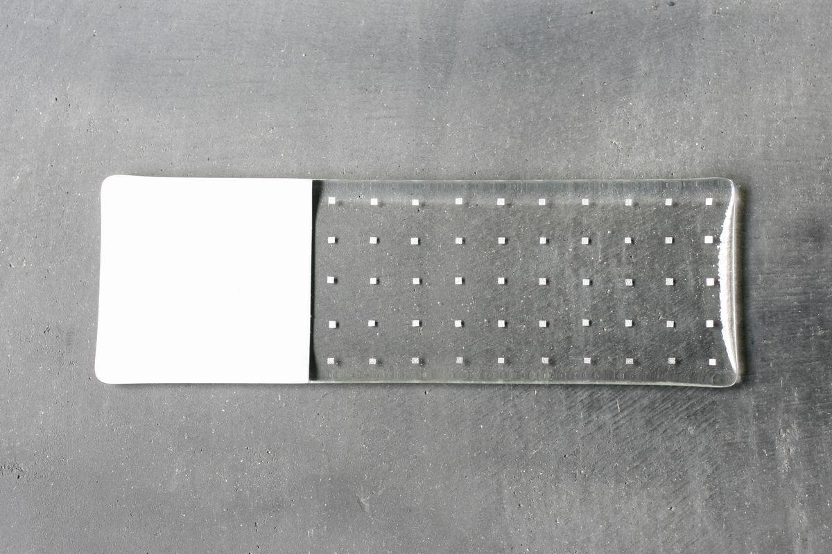 銀もようの長皿(dot・st)