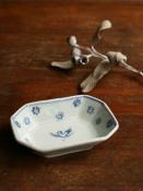 鳥文八角小鉢