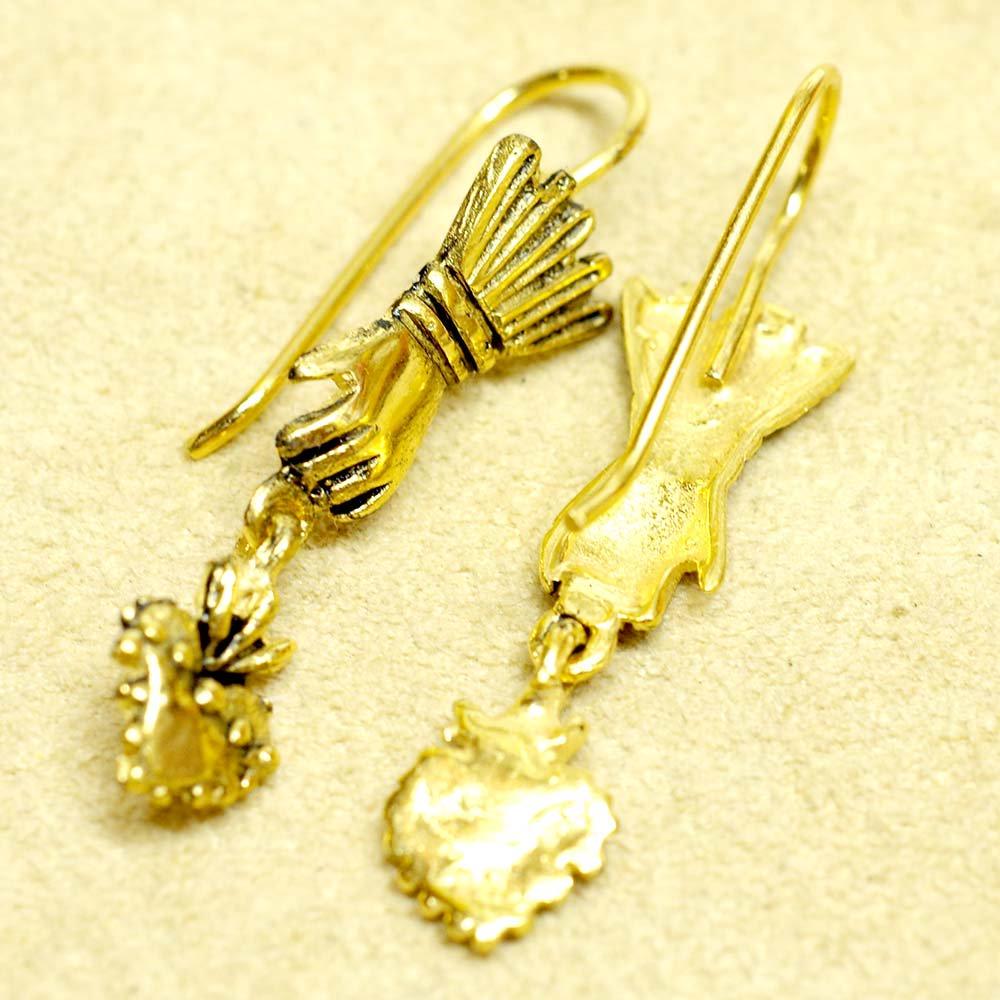 Silver925☆幸運をつかむ手とコラソンのピアス 【GOLD】