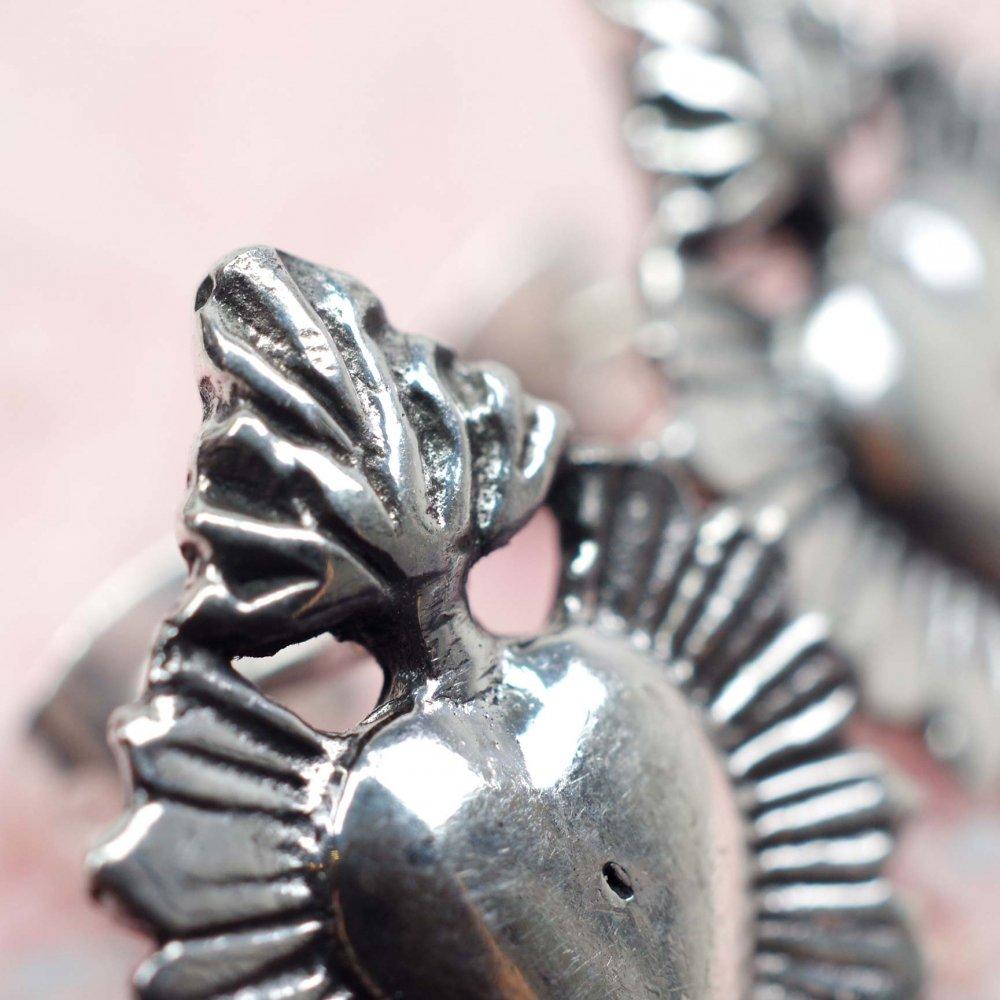 silver925☆後光 燃えるコラソン 小さめピアス