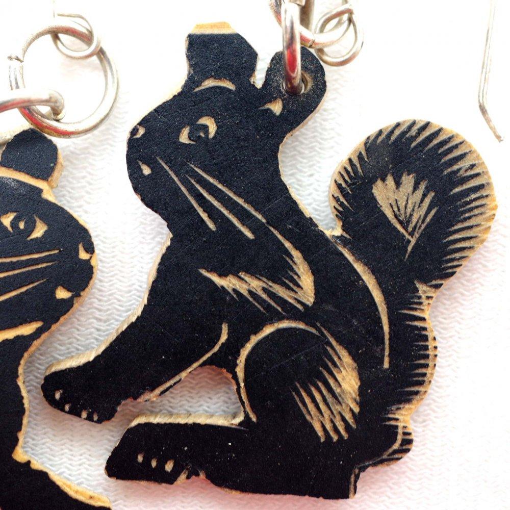 木の実☆手彫りピアス【中】◆イヤリング変更可◆ C