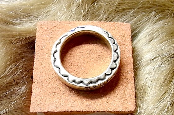 <img class='new_mark_img1' src='//img.shop-pro.jp/img/new/icons13.gif' style='border:none;display:inline;margin:0px;padding:0px;width:auto;' />arca☆anillo de OLARE GOLD☆発送は→【スマートレター】【レターパックライト】【レターパックプラス】【宅急便】