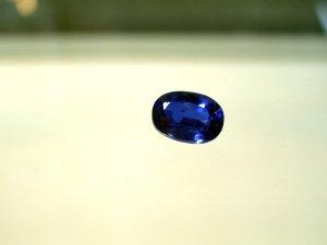 綺麗な藍色 オーバルカット カイヤナイト 1.7ct