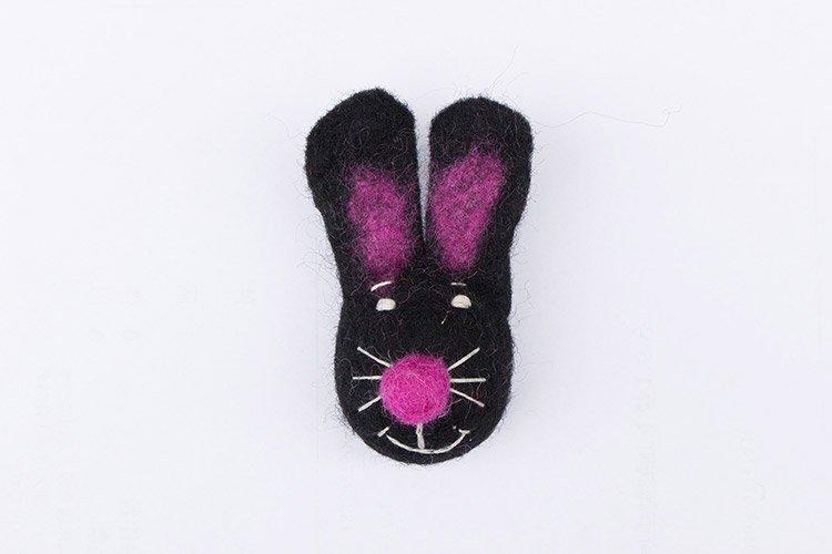 フェルトアニマルバッジ ウサギ黒