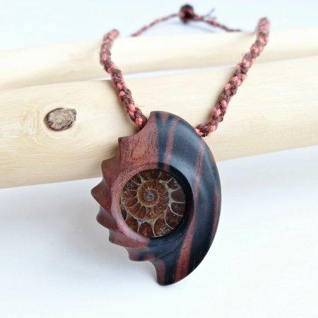 木のペンダント アンモナイト&黒檀