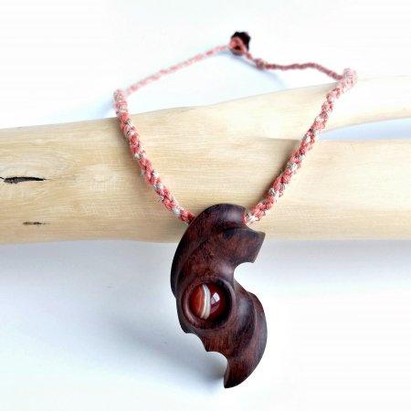 木と石のペンダント サードオニキス&インディアンローレル