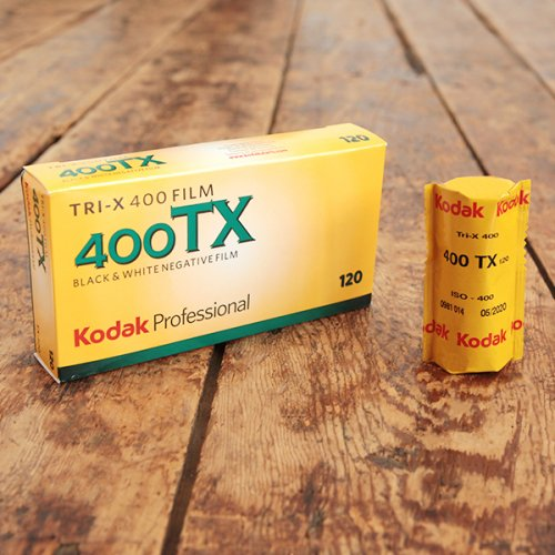 120(ブローニー)モノクロフィルム「Kodak TRI-X400」