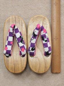 幼児用下駄(16.5cm) gt-116  紫地・ネコ柄