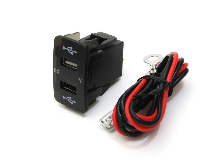 ホンダ車用 2USBポート 5V/2.1A 電圧計/青色LED付 スイッチホールカバー 増設USBポート スマホ充電器 約45mm×26…