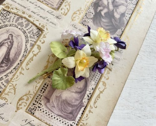 【Henriette】すみれと水仙のブローチ