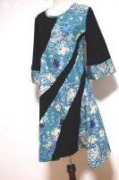 シルエット美しいアシンメトリーワンピース/和柄花ターコイズブルー