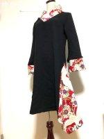 シルエット美しい 和柄着物襟風アシメントリーワンピース 黒赤鶴