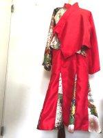 華やか赤和柄のセットアップスカートスーツ