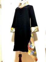 シルエット美しい 和柄着物襟風アシメントリーワンピース 黒金彩