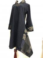 シルエット美しい 和柄着物襟風アシメントリーワンピース 紺ツイード