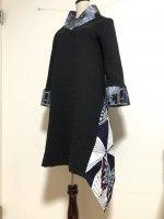 シルエット美しい 和柄着物襟風アシメントリーワンピース 黒青花蝶