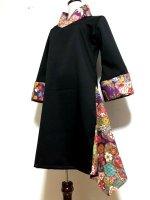 【即納】シルエット美しい 和柄着物襟風アシメントリーワンピース 黒紫花 L