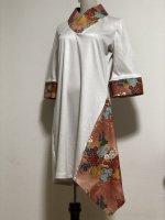 【即納】シルエット美しい 和柄着物襟風アシメントリーワンピース オフ白ゴールド L