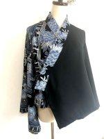 クールかっこいい!レディース和柄フレア袖羽織 黒に青花シルバー