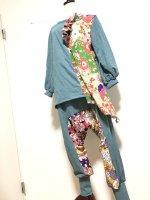 【即納】楽々和柄サルエルパンツ スモーキーブルーグリーン×紫黄黒 フリー