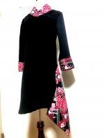 【即納】シルエット美しい 和柄着物襟風アシメントリーワンピース 赤シルバー花 L