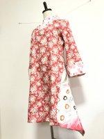 【即納】シルエット美しい 和柄着物襟風アシメントリーワンピース 薔薇孔雀 S
