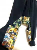 【即納】楽な穿き心地の和柄サルエルパンツ 黒に金彩虎×おもしろ日本柄