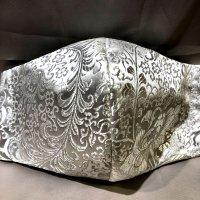 【即納】高級ジャガード オール白美しい羽根 和柄立体型マスク 不織布内蔵 通年タイプ LLサイズ