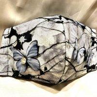 【即納】キラリ!ビジュー付き蝶レース×薔薇 立体型マスク 不織布内蔵 通年タイプ LLサイズ